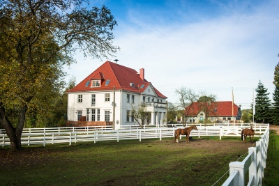Estate Vorbeck with horses